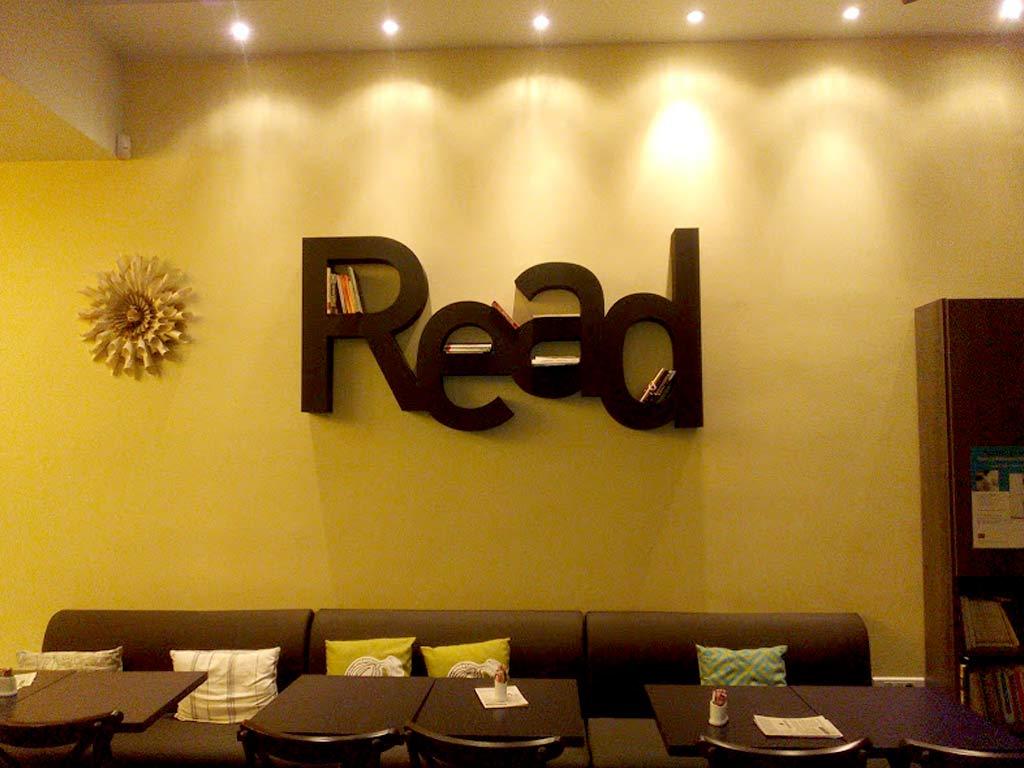 BOOKTALKS-READ