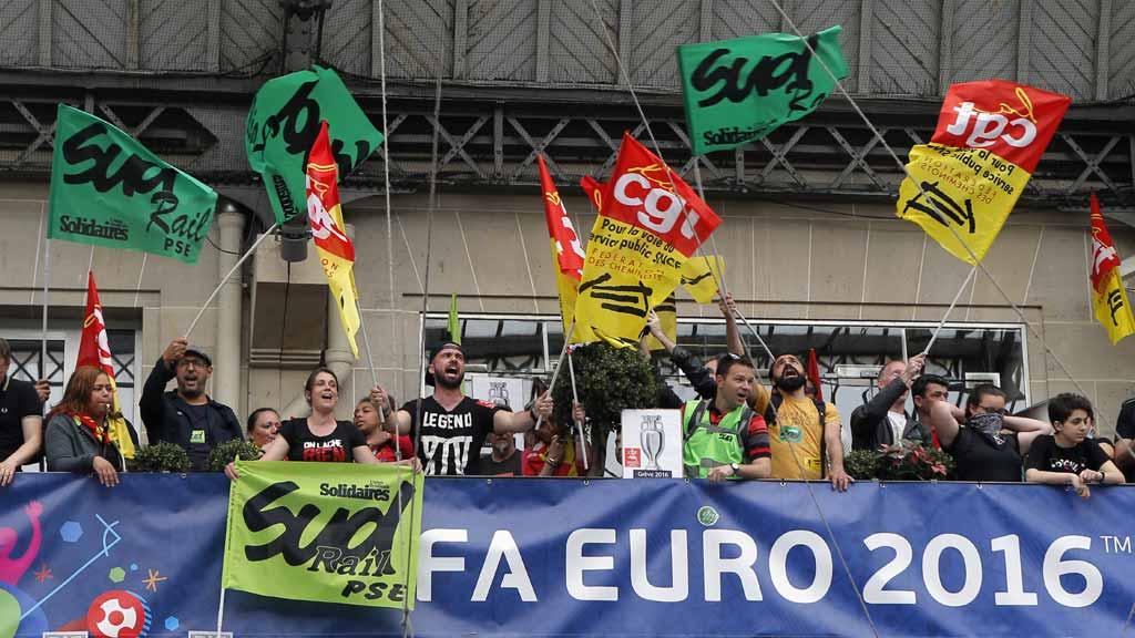FRANCE-EURO-STRIKES